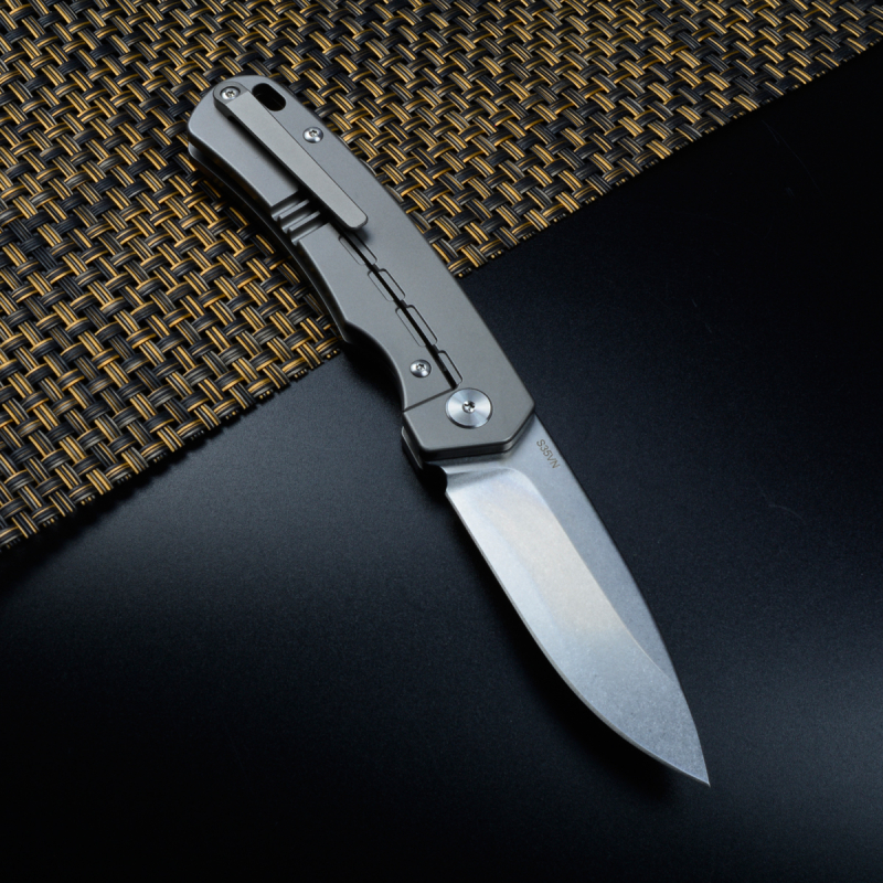 QSP Puffin German Edition Titanium Framelock Pocket Knife S35VN Steel in Stonewashed
