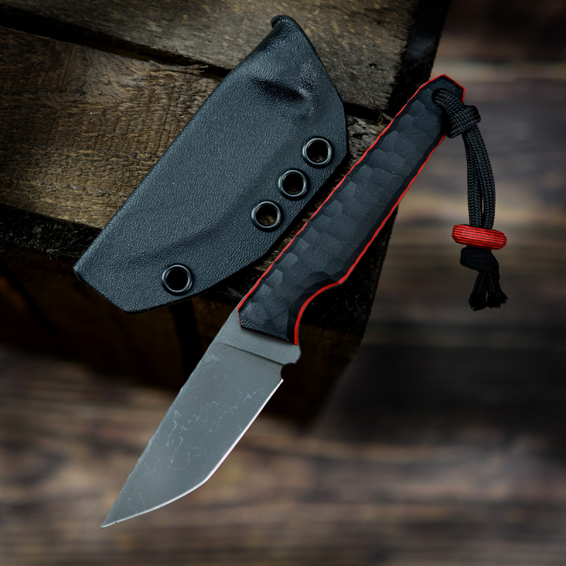 Special SK07 EDC with AEB-L steel and G10 in black and red liner