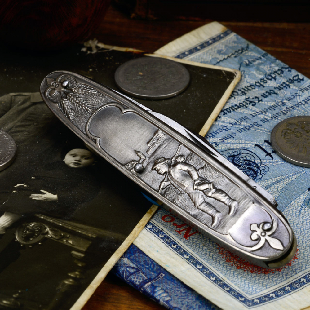 "Old man's knife from Germany - blades from the year ca.1958 motif ""Wanderer"""