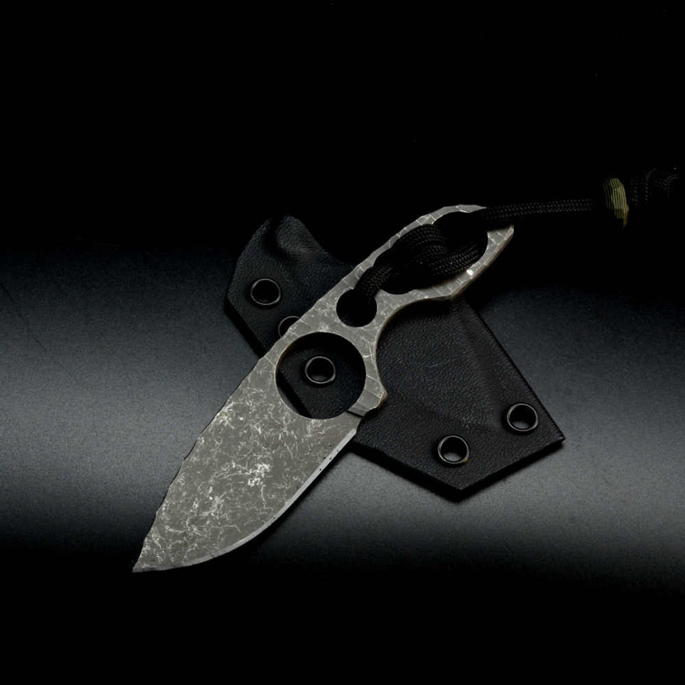​Forge Works Neck Knife Knife Pathfinder with Cryo Treatment Steel SB1 and Kydex